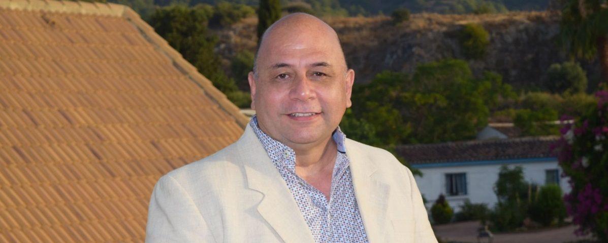 El doctor Eduardo González Coeto es experto en biorresonancia quántica